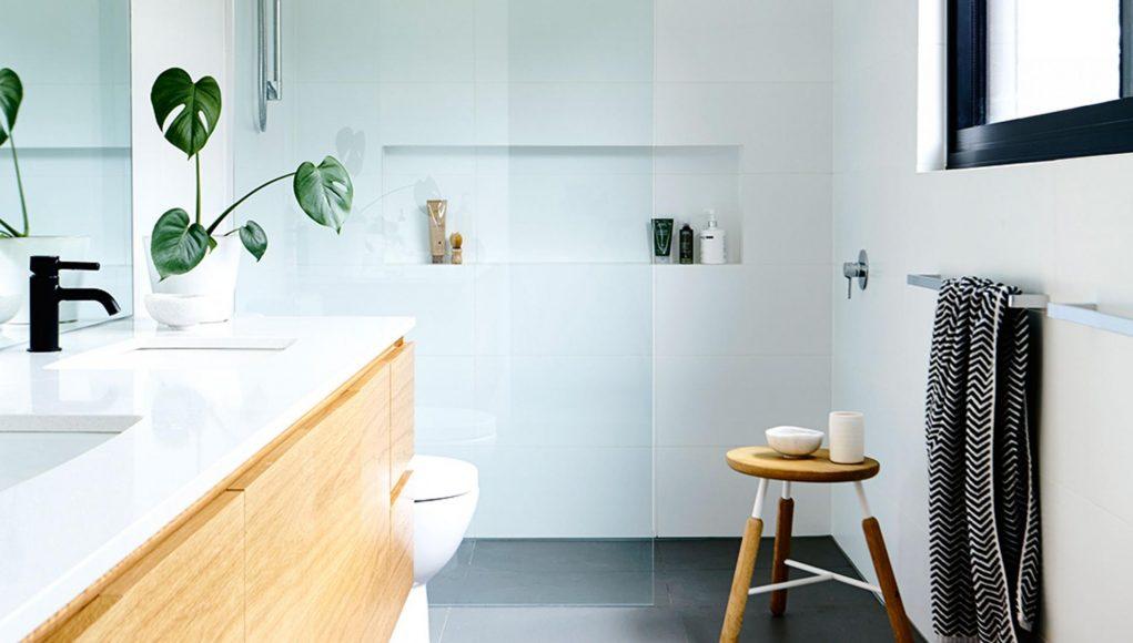 Prix moyens d\'une salle de bain : sol, mur, douche, baignoire