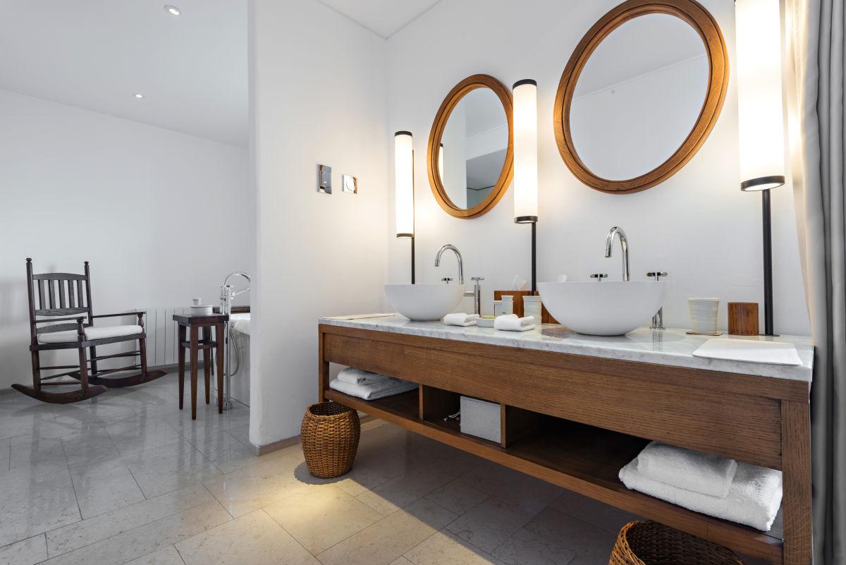 Les meubles de salle de bains for Prix des salles de bain