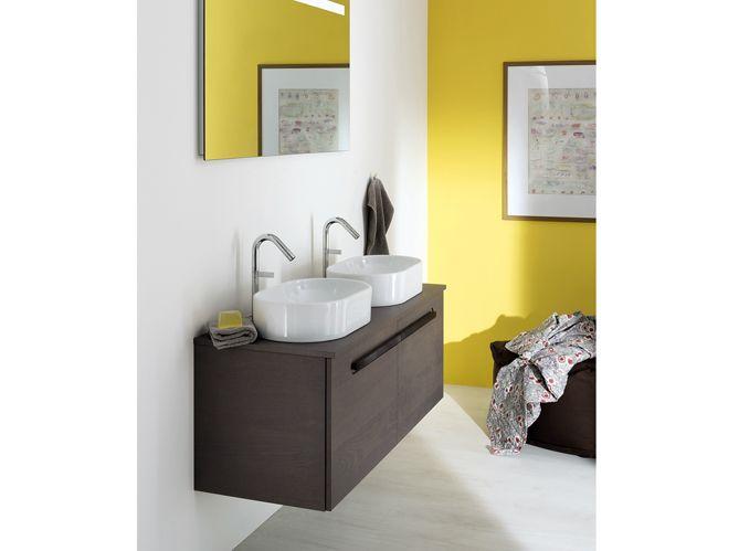 Salle de bains jaunes 32 id es pour une d coration lumineuse for Peinture bois salle de bain