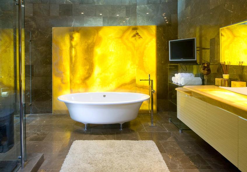 Salle de bains jaunes 32 id es pour une d coration lumineuse for Salle de bain vert d eau