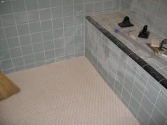 Baignoire remplacée par une douche italienne